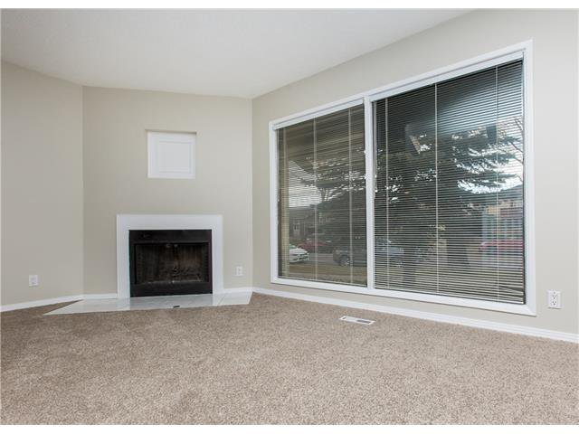 Photo 7: Photos:  in Calgary: House for sale : MLS®# C4088461
