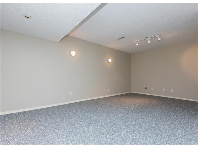 Photo 14: Photos:  in Calgary: House for sale : MLS®# C4088461
