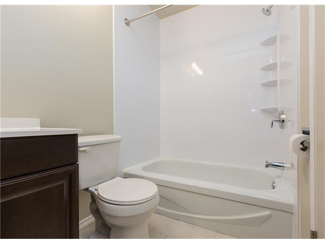 Photo 13: Photos:  in Calgary: House for sale : MLS®# C4088461