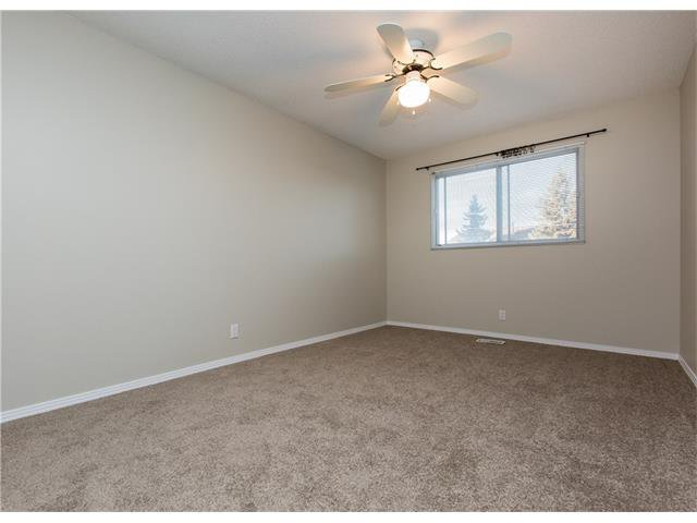 Photo 10: Photos:  in Calgary: House for sale : MLS®# C4088461