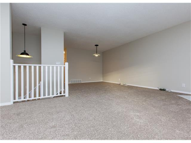 Photo 8: Photos:  in Calgary: House for sale : MLS®# C4088461