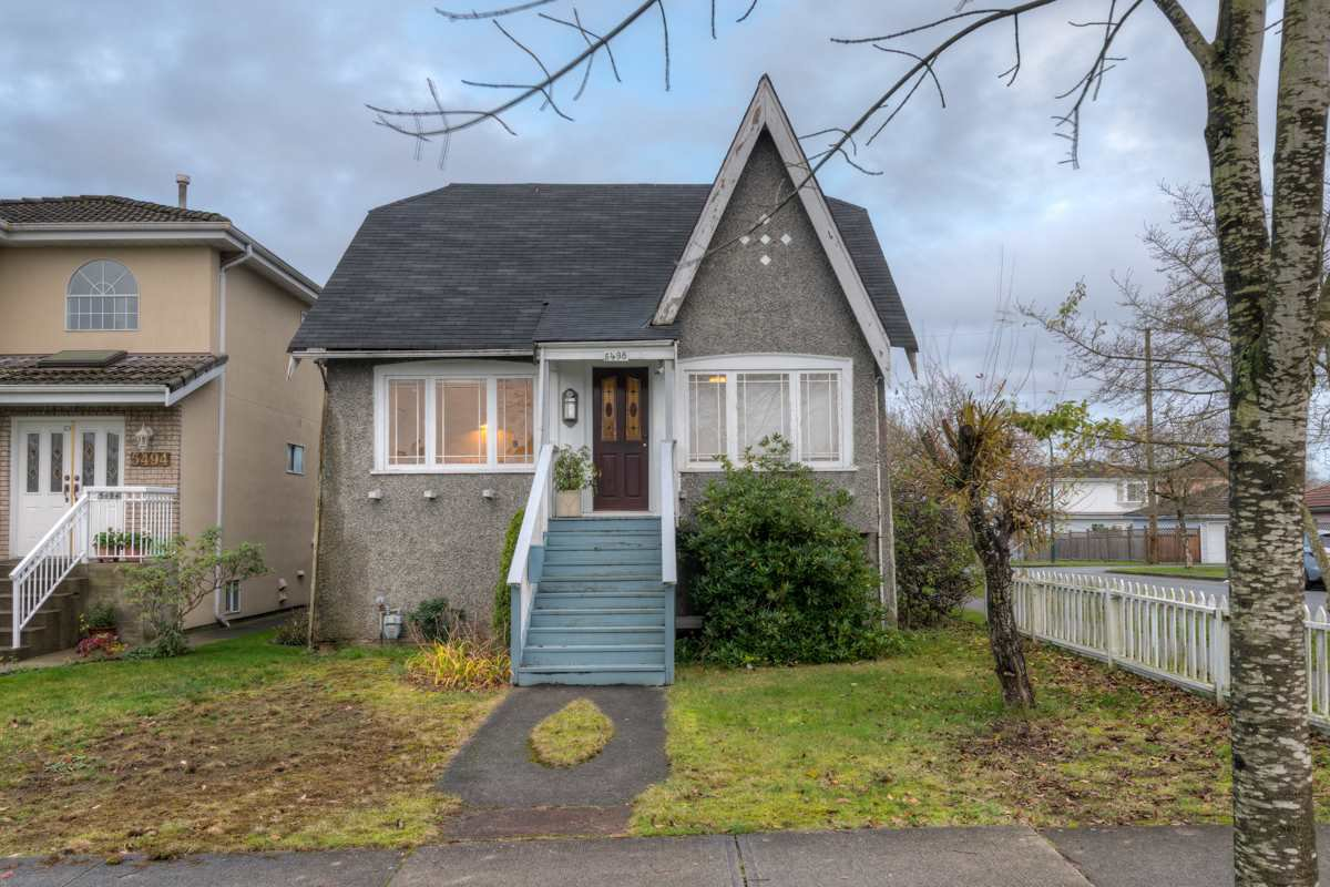 "Main Photo: 5498 BRUCE Street in Vancouver: Victoria VE House for sale in ""KNIGHT"" (Vancouver East)  : MLS®# R2125424"
