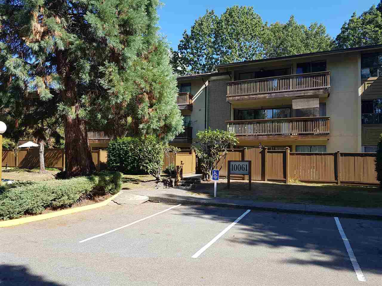 "Main Photo: 310 10061 150TH Street in Surrey: Guildford Condo for sale in ""forest manor"" (North Surrey)  : MLS®# R2206129"