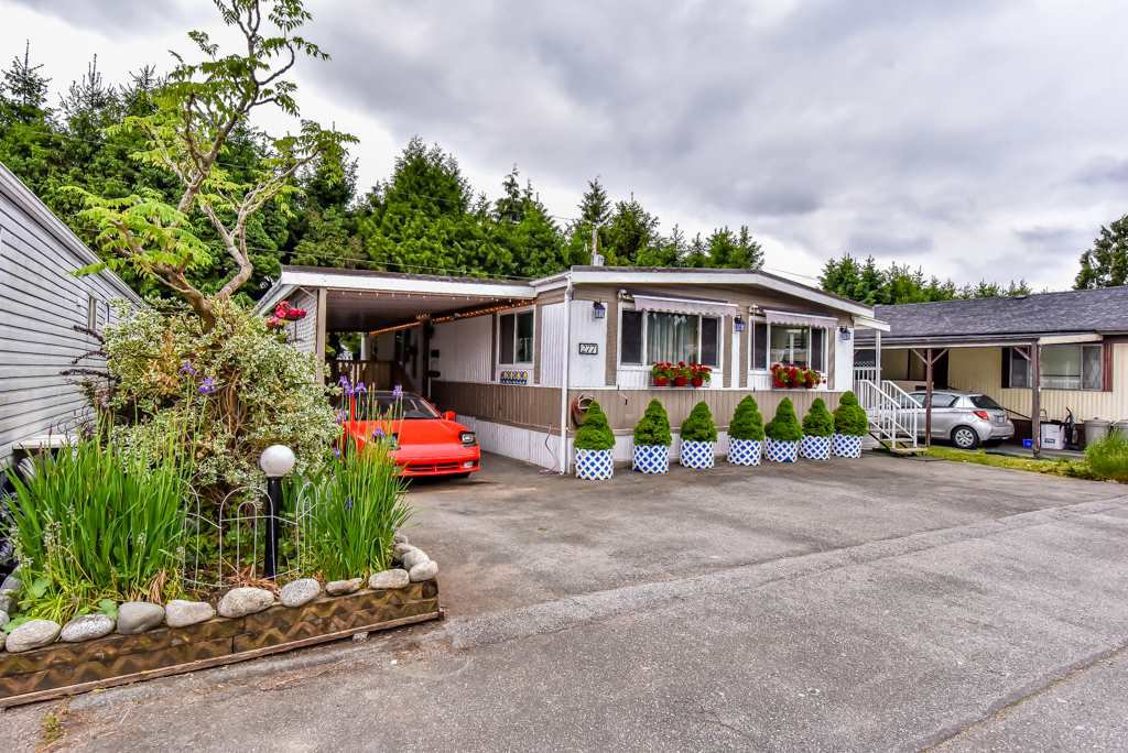 """Main Photo: 277 201 CAYER Street in Coquitlam: Maillardville Manufactured Home for sale in """"WILDWOOD PARK"""" : MLS®# R2269026"""