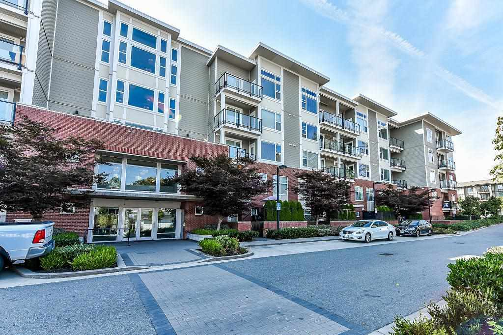 "Photo 20: Photos: 302 15956 86A Avenue in Surrey: Fleetwood Tynehead Condo for sale in ""Ascend"" : MLS®# R2328477"