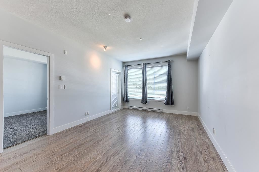 "Photo 12: Photos: 302 15956 86A Avenue in Surrey: Fleetwood Tynehead Condo for sale in ""Ascend"" : MLS®# R2328477"