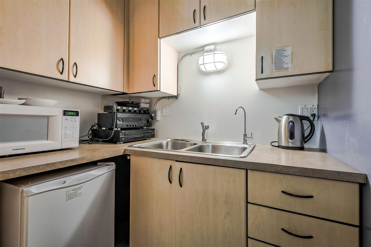 "Photo 18: Photos: 303 1529 W 6TH Avenue in Vancouver: False Creek Condo for sale in ""SOUTH GRANVILLE LOFTS"" (Vancouver West)  : MLS®# R2349958"