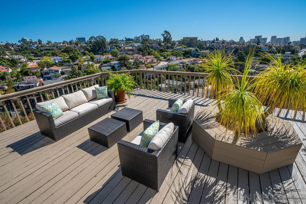Main Photo: MISSION HILLS House for sale : 5 bedrooms : 2845 Union St in San Diego