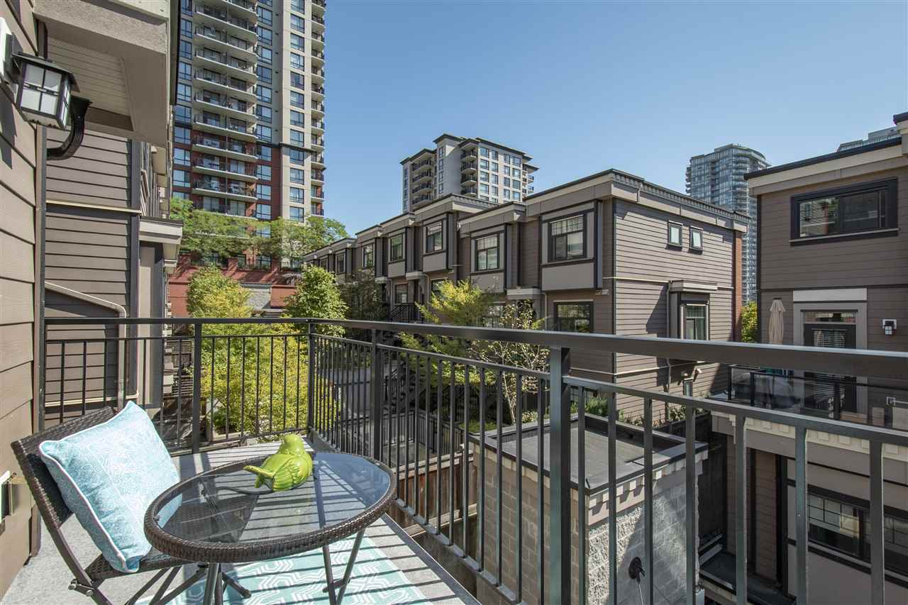"Photo 19: Photos: 1 838 ROYAL Avenue in New Westminster: Downtown NW Townhouse for sale in ""BRICKSTONE WALK II"" : MLS®# R2404072"