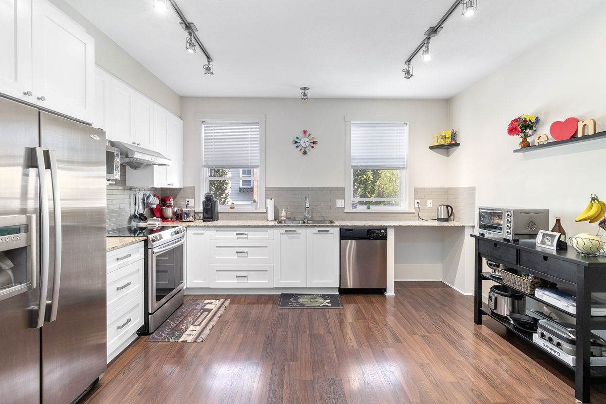 """Main Photo: 82 688 EDGAR Avenue in Coquitlam: Coquitlam West Townhouse for sale in """"GABLE"""" : MLS®# R2506502"""