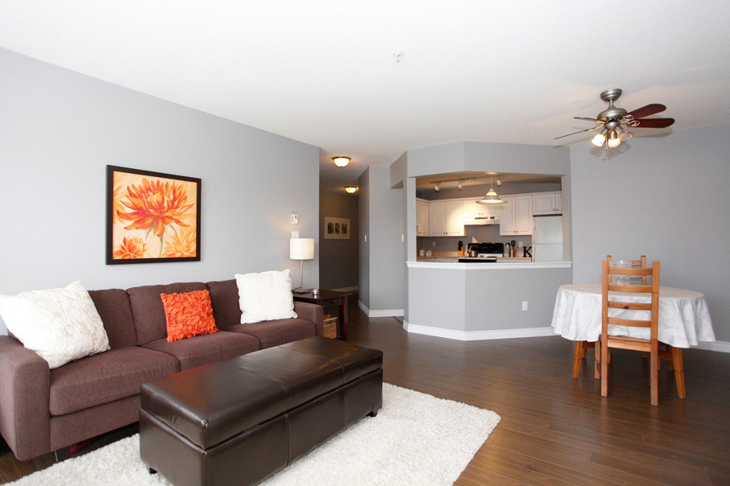 "Photo 6: Photos: 311 20200 54A Avenue in Langley: Langley City Condo for sale in ""MONTEREY GRANDE"" : MLS®# F1436676"