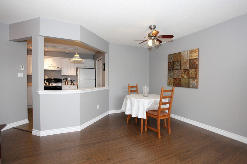 "Photo 10: Photos: 311 20200 54A Avenue in Langley: Langley City Condo for sale in ""MONTEREY GRANDE"" : MLS®# F1436676"