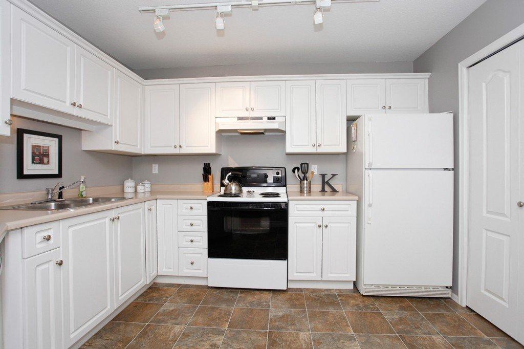 "Photo 14: Photos: 311 20200 54A Avenue in Langley: Langley City Condo for sale in ""MONTEREY GRANDE"" : MLS®# F1436676"