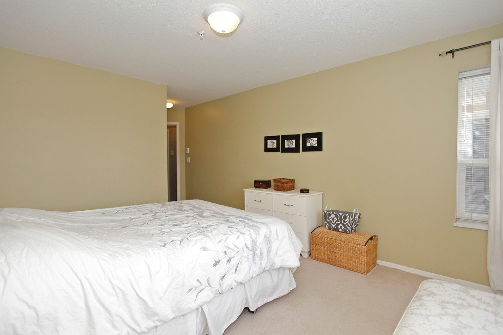 "Photo 21: Photos: 311 20200 54A Avenue in Langley: Langley City Condo for sale in ""MONTEREY GRANDE"" : MLS®# F1436676"