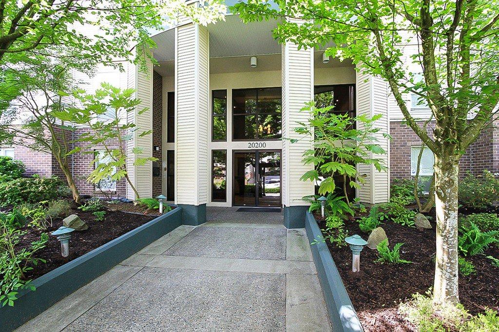 "Photo 4: Photos: 311 20200 54A Avenue in Langley: Langley City Condo for sale in ""MONTEREY GRANDE"" : MLS®# F1436676"