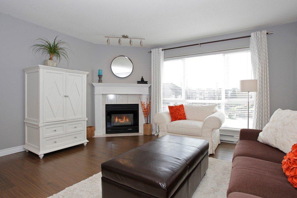 "Photo 7: Photos: 311 20200 54A Avenue in Langley: Langley City Condo for sale in ""MONTEREY GRANDE"" : MLS®# F1436676"