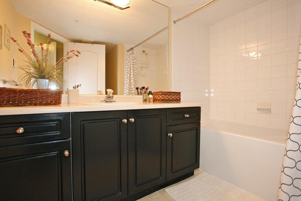 "Photo 22: Photos: 311 20200 54A Avenue in Langley: Langley City Condo for sale in ""MONTEREY GRANDE"" : MLS®# F1436676"