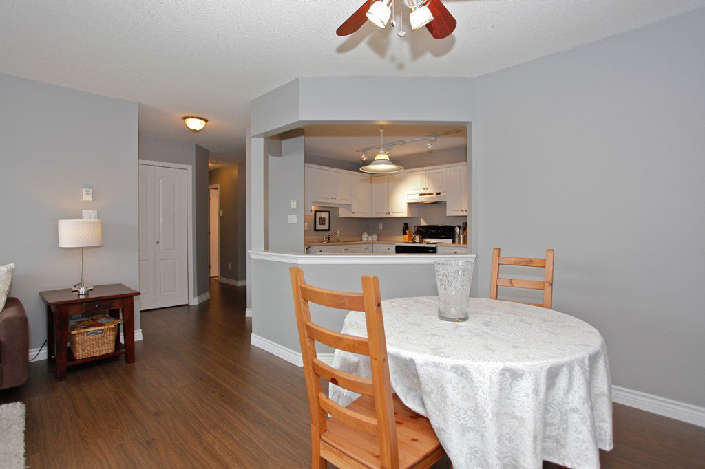 "Photo 11: Photos: 311 20200 54A Avenue in Langley: Langley City Condo for sale in ""MONTEREY GRANDE"" : MLS®# F1436676"