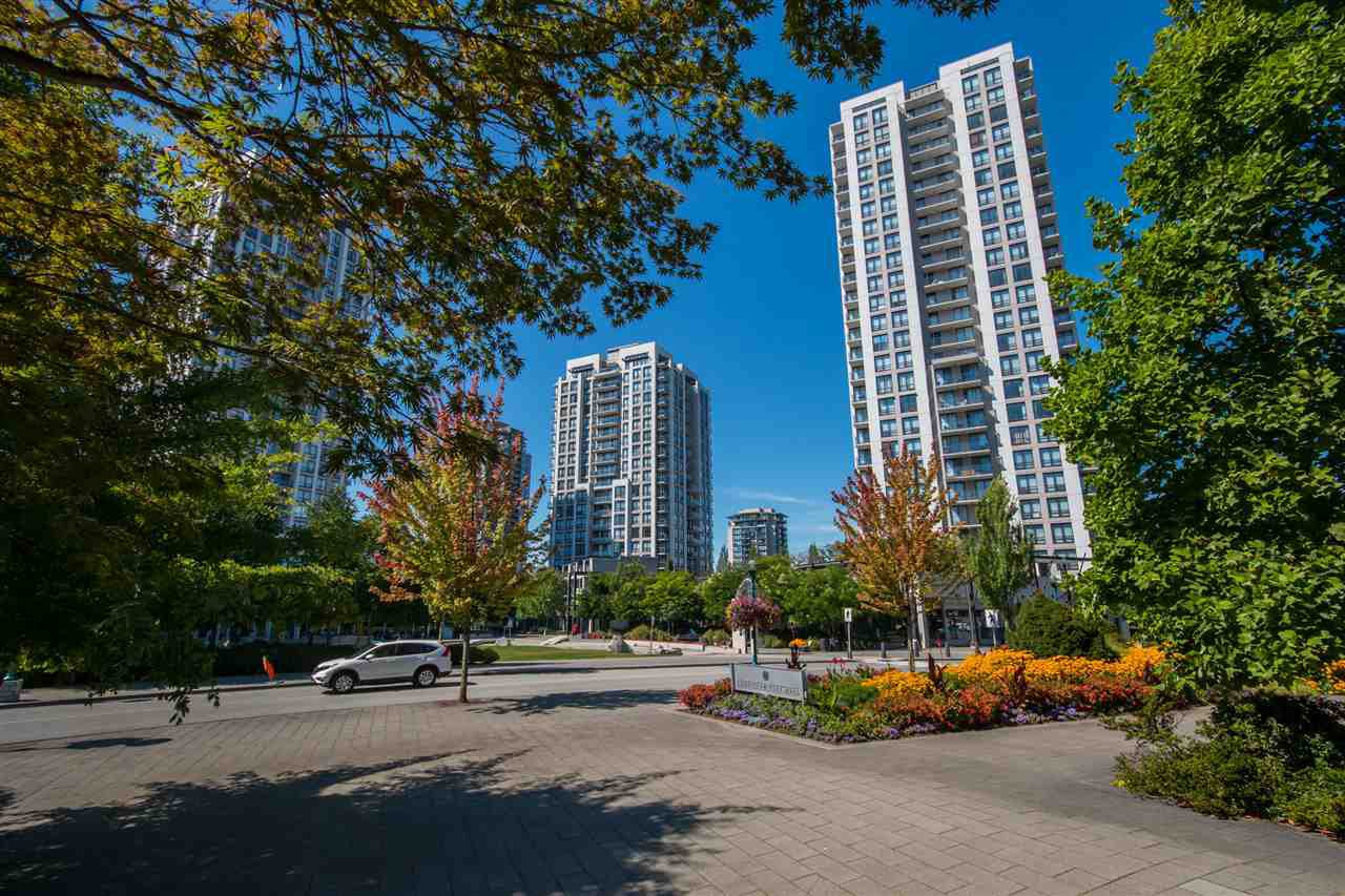 "Main Photo: 1202 2982 BURLINGTON Drive in Coquitlam: North Coquitlam Condo for sale in ""EDGEMONT BY BOSA"" : MLS®# R2100698"
