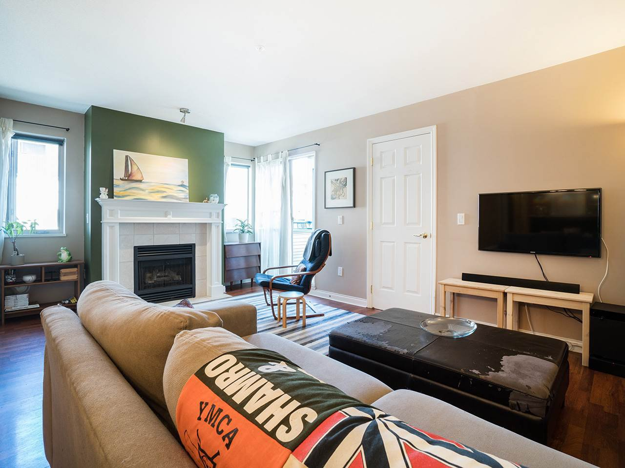 """Main Photo: 207 688 E 16TH Avenue in Vancouver: Fraser VE Condo for sale in """"Vintage Eastside / Cedar Cottage"""" (Vancouver East)  : MLS®# R2184492"""