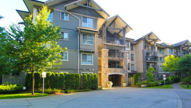 """Main Photo: 411 2958 WHISPER Way in Coquitlam: Westwood Plateau Condo for sale in """"SUMMERLIN AT SILVER SPRINGS"""" : MLS®# R2190001"""