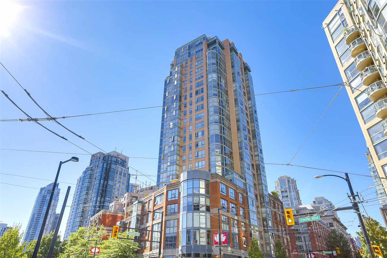 Main Photo: 303 212 DAVIE STREET in Vancouver: Yaletown Condo for sale (Vancouver West)  : MLS®# R2201073