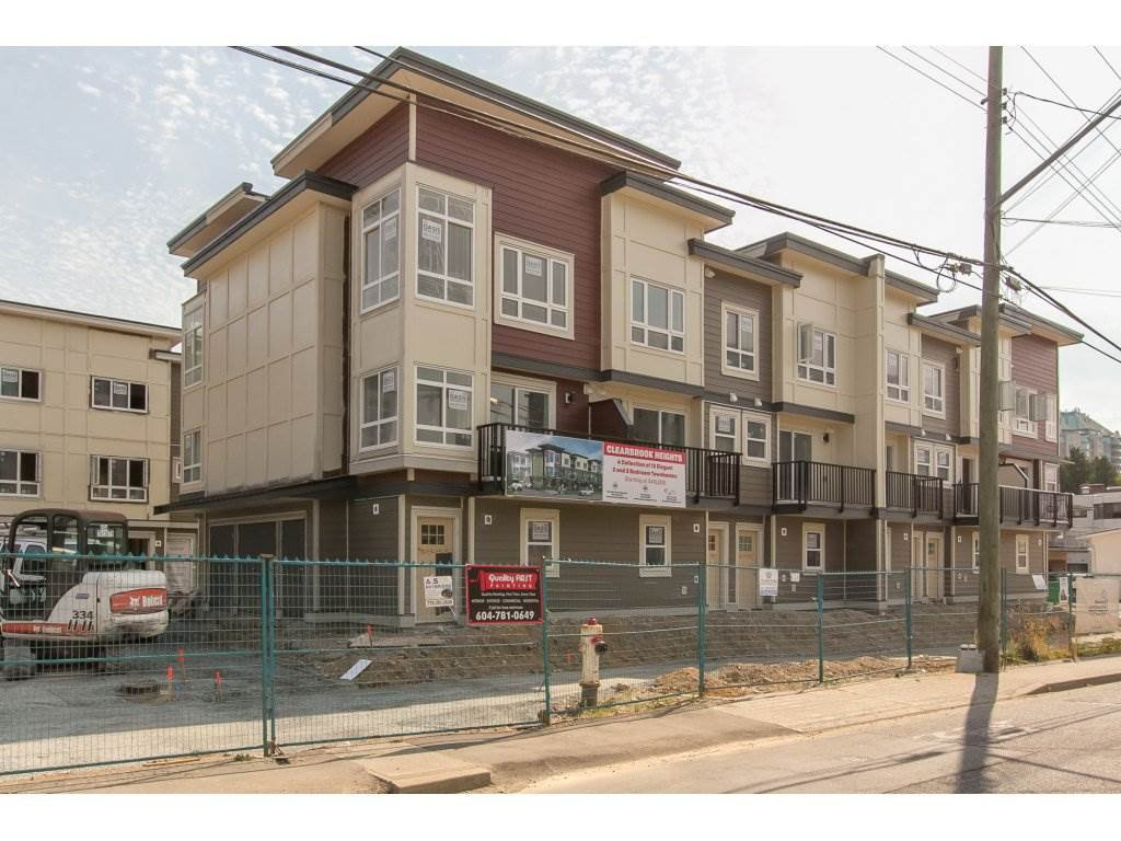 Main Photo: 11 32138 GEORGE FERGUSON Way in Abbotsford: Central Abbotsford Townhouse for sale : MLS®# R2214087