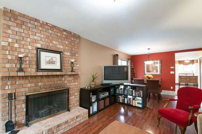 Photo 4: Photos: 13066 66A Avenue in Surrey: West Newton House for sale : MLS®# R2215014