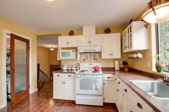 Photo 7: Photos: 13066 66A Avenue in Surrey: West Newton House for sale : MLS®# R2215014