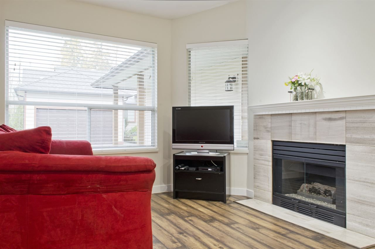 """Photo 2: Photos: 16 23151 HANEY Bypass in Maple Ridge: East Central Townhouse for sale in """"STONEHOUSE ESTATES"""" : MLS®# R2221490"""