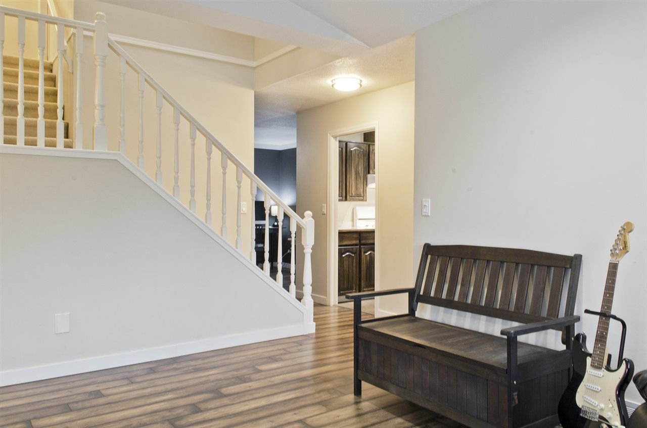 """Photo 4: Photos: 16 23151 HANEY Bypass in Maple Ridge: East Central Townhouse for sale in """"STONEHOUSE ESTATES"""" : MLS®# R2221490"""