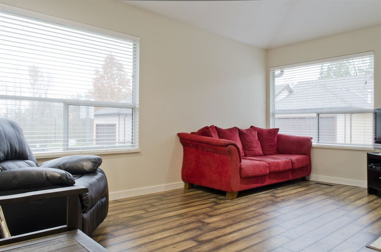 """Photo 3: Photos: 16 23151 HANEY Bypass in Maple Ridge: East Central Townhouse for sale in """"STONEHOUSE ESTATES"""" : MLS®# R2221490"""