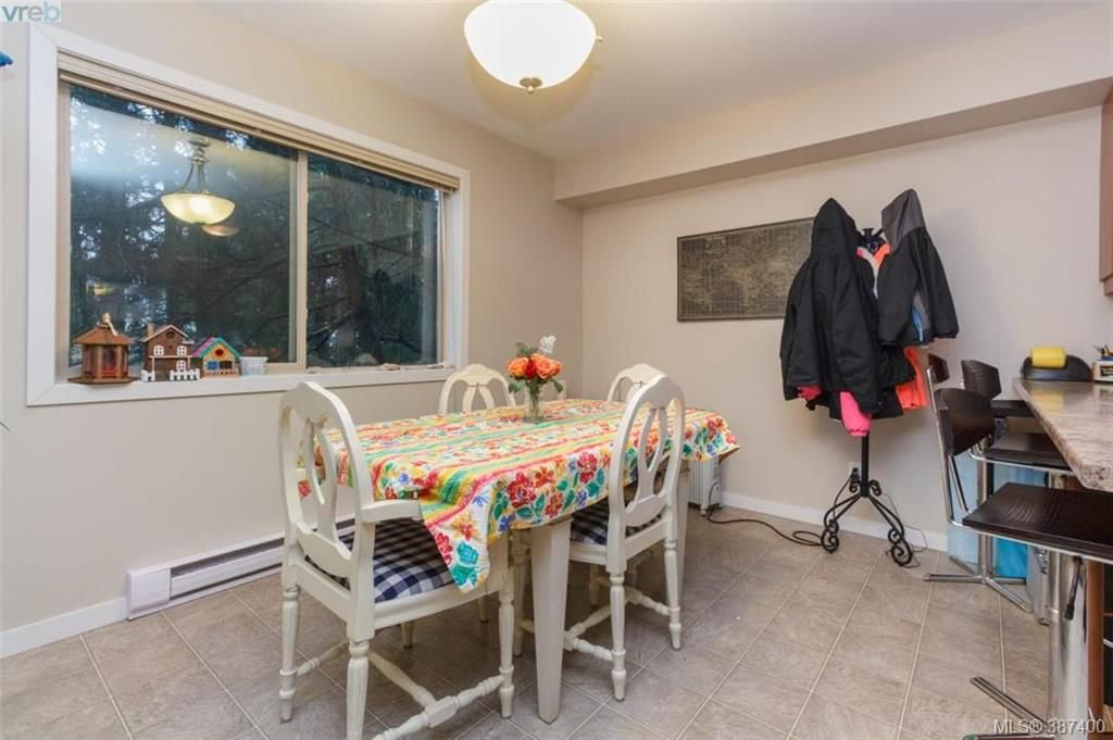 Photo 6: Photos: 106 2710 Peatt Rd in VICTORIA: La Langford Proper Row/Townhouse for sale (Langford)  : MLS®# 778444