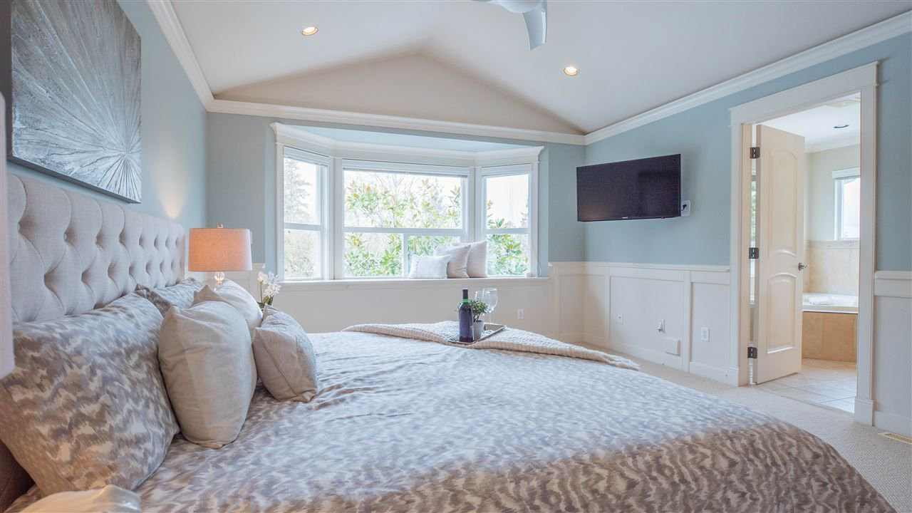 "Photo 13: Photos: 3689 159A Street in Surrey: Morgan Creek House for sale in ""Morgan Creek"" (South Surrey White Rock)  : MLS®# R2243280"