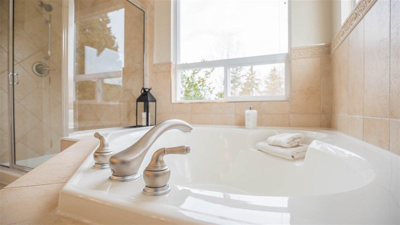"Photo 15: Photos: 3689 159A Street in Surrey: Morgan Creek House for sale in ""Morgan Creek"" (South Surrey White Rock)  : MLS®# R2243280"