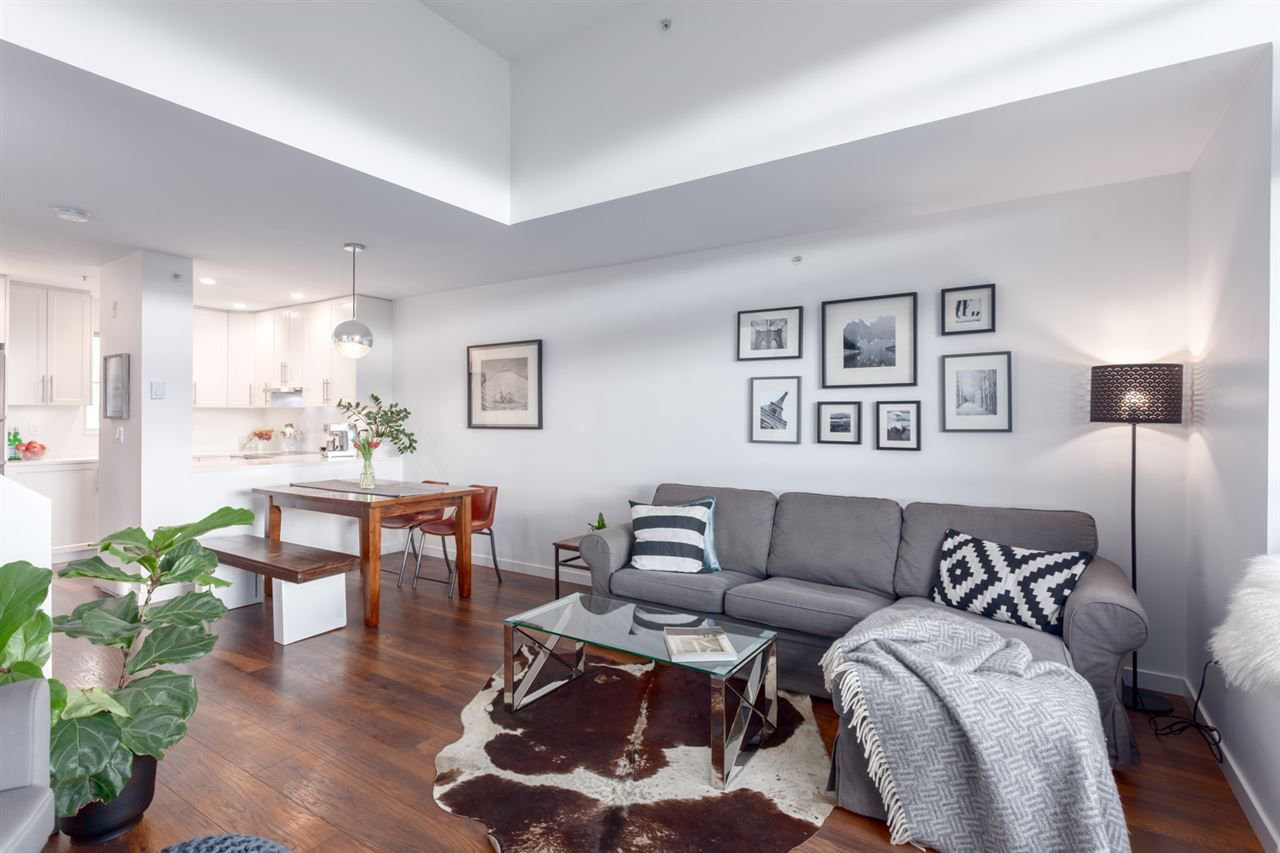 """Main Photo: 23 2375 W BROADWAY in Vancouver: Kitsilano Townhouse for sale in """"TALIESON"""" (Vancouver West)  : MLS®# R2246815"""