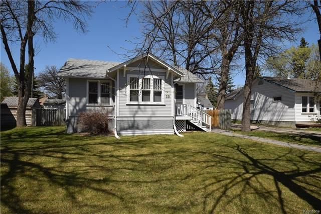 Photo 1: Photos: 19 Sherwood Place in Winnipeg: St Vital Residential for sale (2D)  : MLS®# 1812341