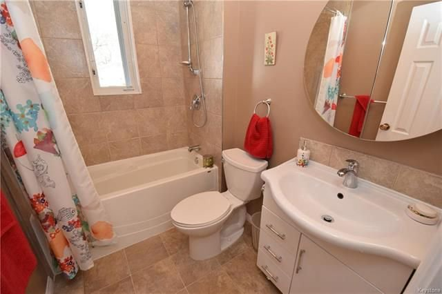 Photo 9: Photos: 19 Sherwood Place in Winnipeg: St Vital Residential for sale (2D)  : MLS®# 1812341