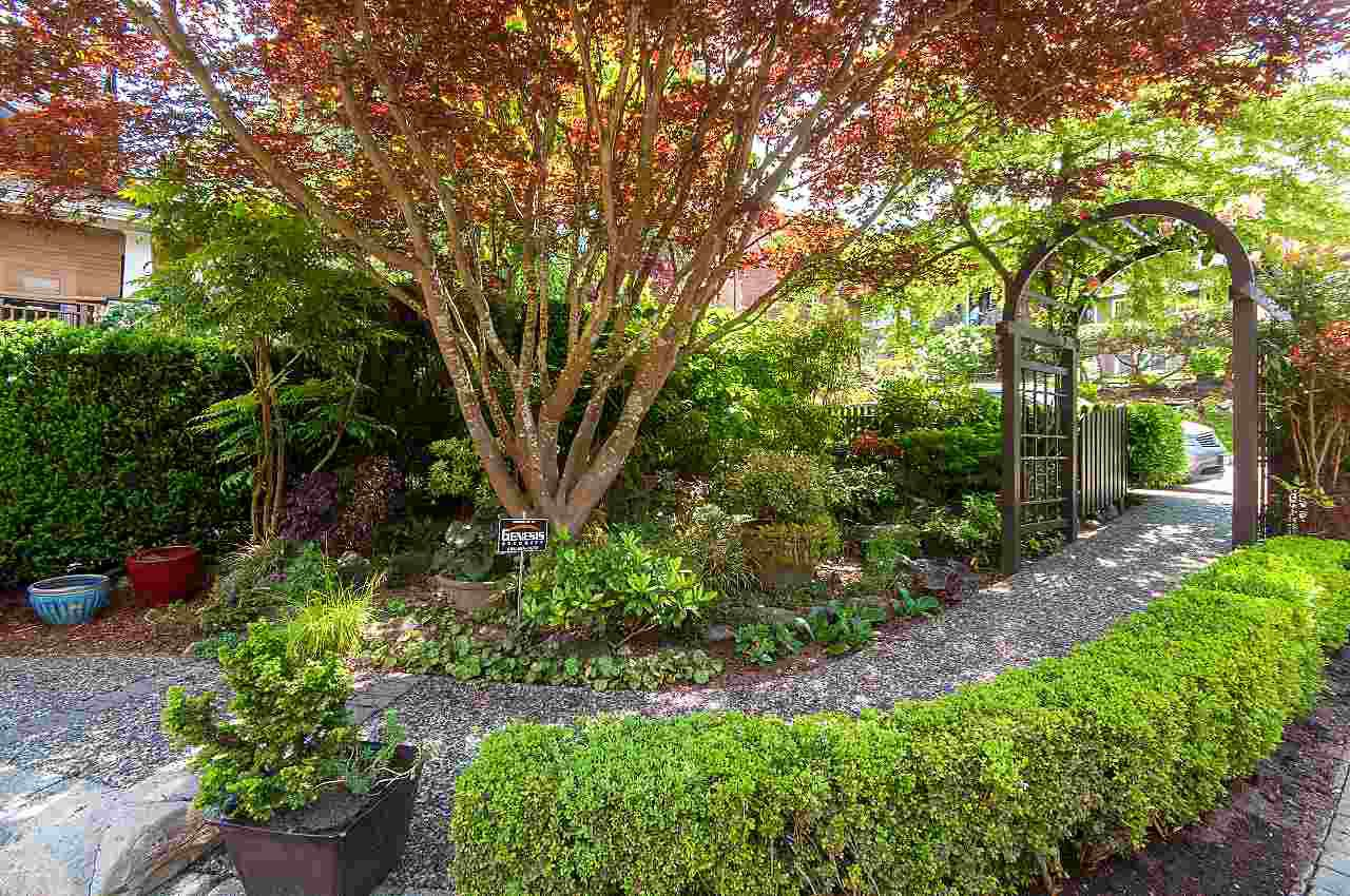 Photo 3: Photos: 2659 YORK Avenue in Vancouver: Kitsilano House 1/2 Duplex for sale (Vancouver West)  : MLS®# R2273666