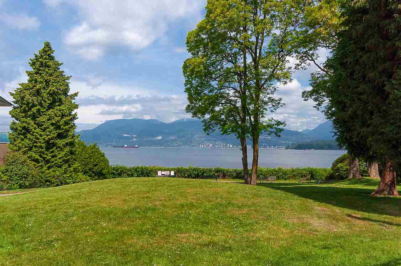 Photo 17: Photos: 2659 YORK Avenue in Vancouver: Kitsilano House 1/2 Duplex for sale (Vancouver West)  : MLS®# R2273666