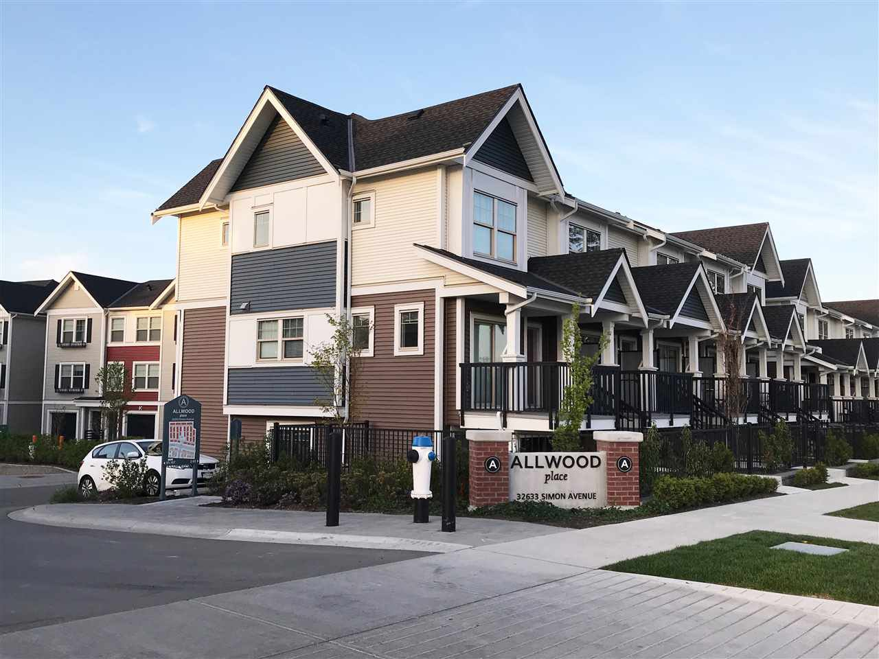 """Main Photo: 88 32633 SIMON Avenue in Abbotsford: Abbotsford West Townhouse for sale in """"Allwood Place"""" : MLS®# R2279009"""