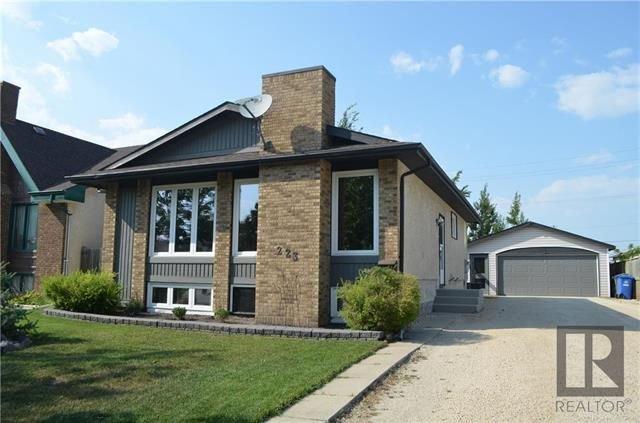 Main Photo: 223 Lynn Lake Drive in Winnipeg: Lakeside Meadows Residential for sale (3K)  : MLS®# 1822208