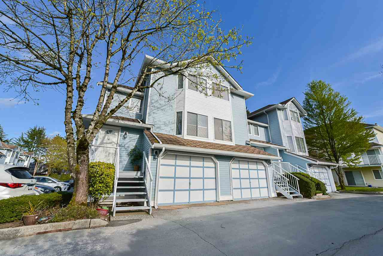 Main Photo: 17 8250 121A Street in Surrey: Queen Mary Park Surrey Townhouse for sale : MLS®# R2356301