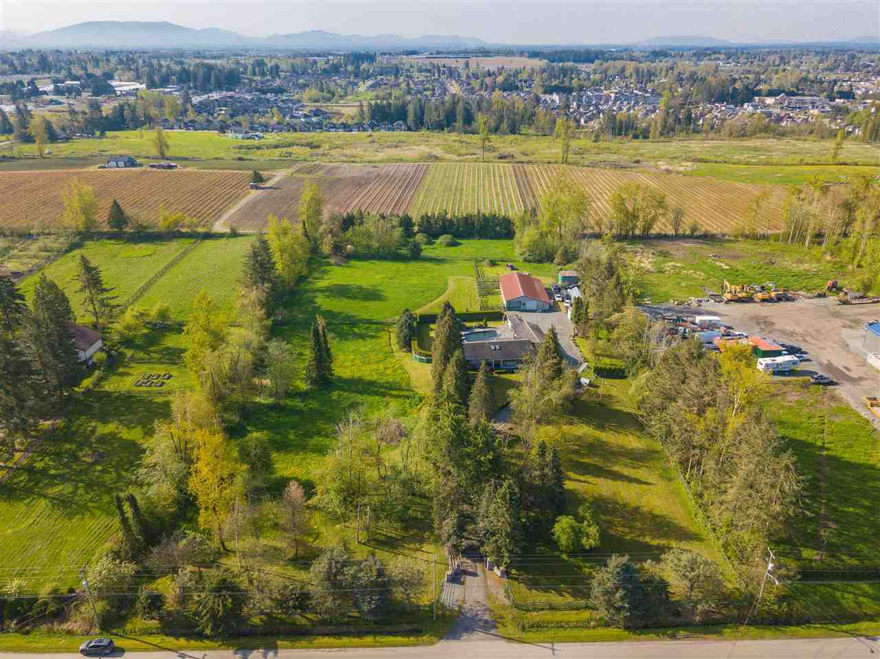 Main Photo: 27808 QUINTON Avenue in Abbotsford: Aberdeen House for sale : MLS®# R2363110