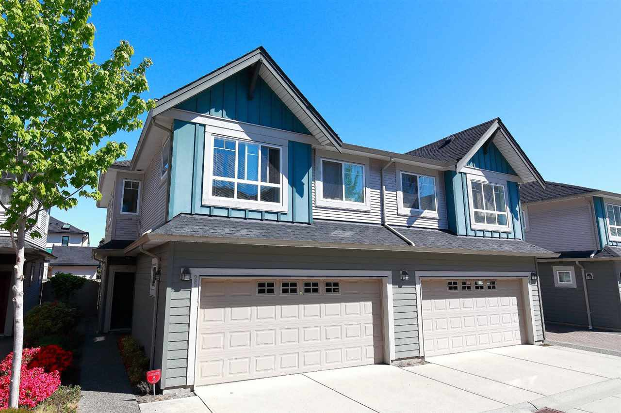 "Main Photo: 25 11393 STEVESTON Highway in Richmond: Ironwood Townhouse for sale in ""IRONWOOD/KINSBERRY"" : MLS®# R2370059"