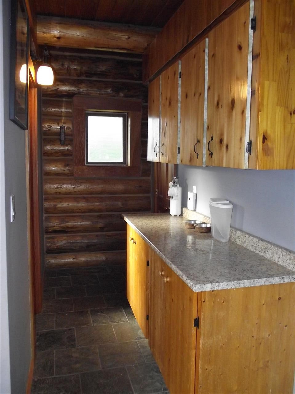 """Photo 3: Photos: 5615 COURVAL Road in Prince George: Buckhorn House for sale in """"BUCKHORN"""" (PG Rural South (Zone 78))  : MLS®# R2374346"""
