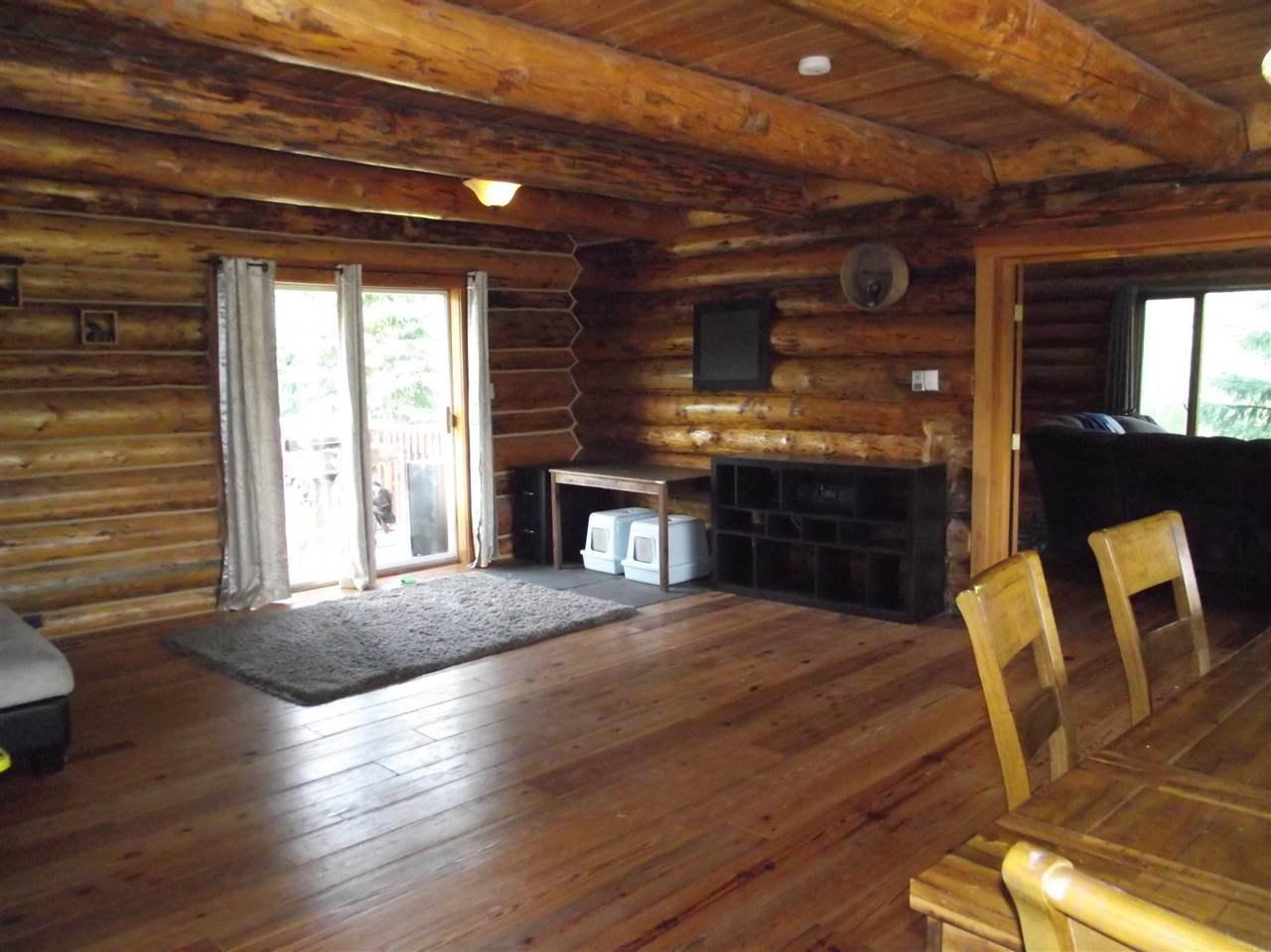 """Photo 5: Photos: 5615 COURVAL Road in Prince George: Buckhorn House for sale in """"BUCKHORN"""" (PG Rural South (Zone 78))  : MLS®# R2374346"""