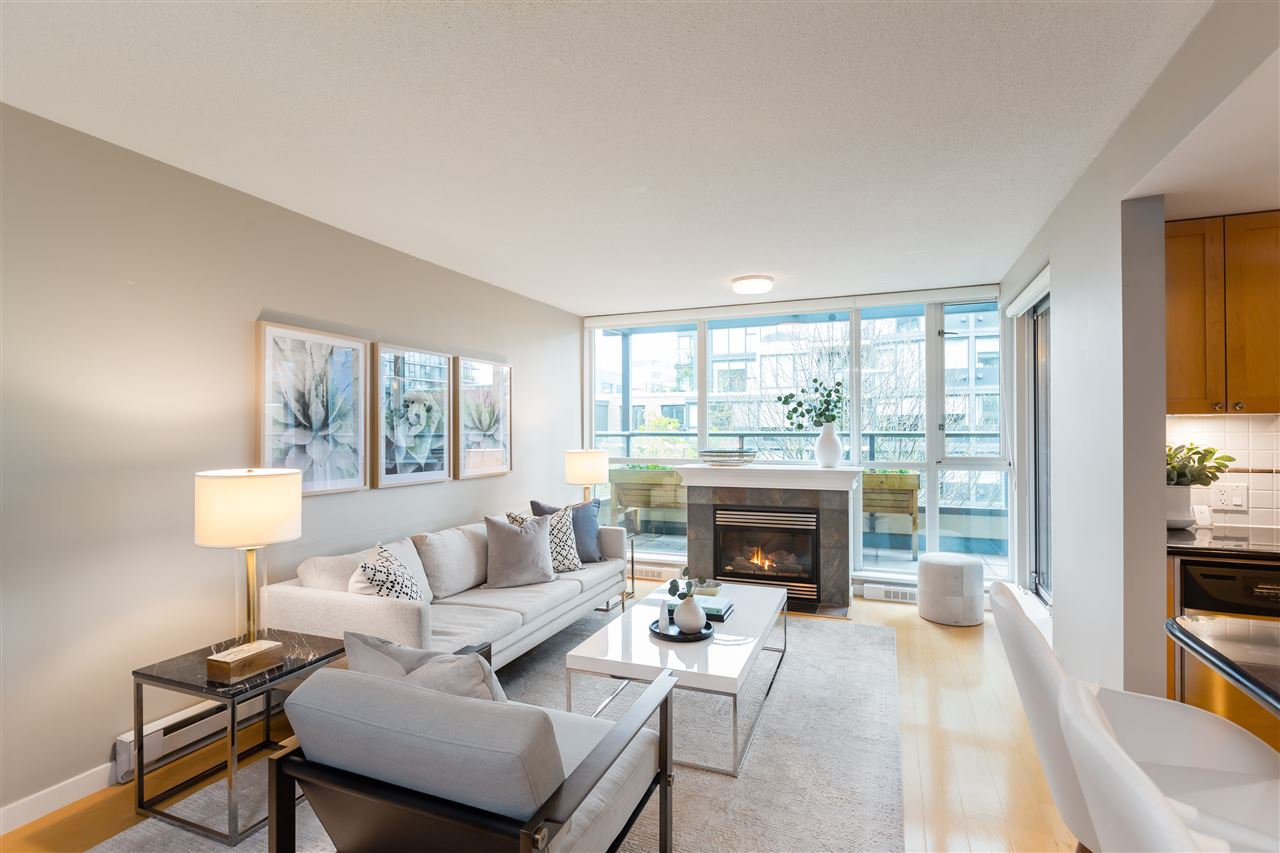 """Main Photo: 409 1425 W 6TH Avenue in Vancouver: False Creek Condo for sale in """"MODENA"""" (Vancouver West)  : MLS®# R2375255"""