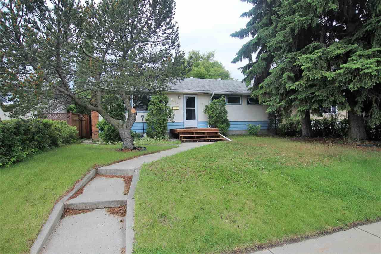 Main Photo: 16131 109A Avenue in Edmonton: Zone 21 House for sale : MLS®# E4162708