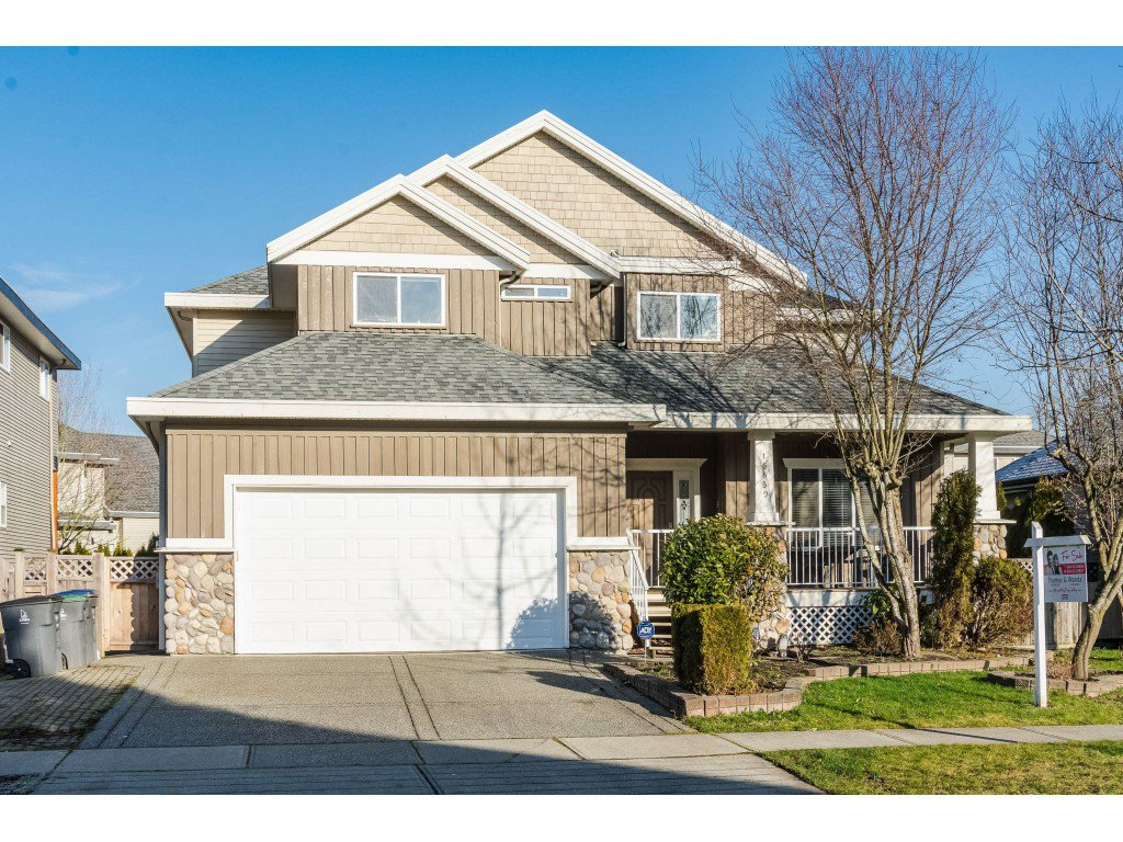 Main Photo: 16639 63B Avenue in Surrey: Cloverdale BC House for sale (Cloverdale)  : MLS®# R2425772